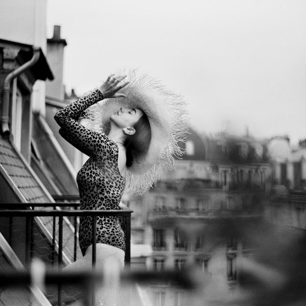 shooting-photo-tour - seance-photo-tourisme - photographe-toursime-Paris photo-mariage-paris toit-parisien
